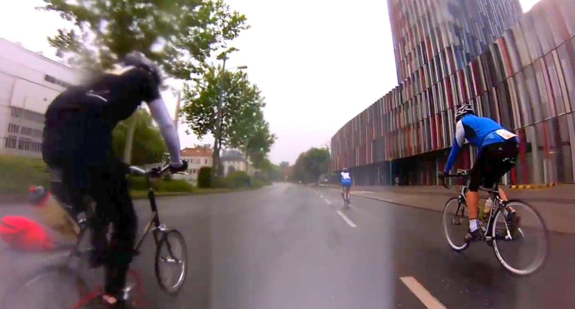 """Rennradler werden versägt Rakete Frankfurt bei """"Rund um den Finanzplatz Eschborn-Frankfurt"""""""